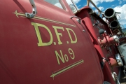 <h5>Ford F800 fire truck</h5>