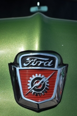 <h5>1953 Ford truck</h5>